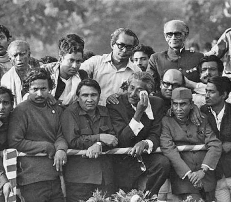 bangabandhu-sheikh-mujibur-rahman-holding-handkerchief-weeps-upon-his-entrance-into-a-liberated-dhaka