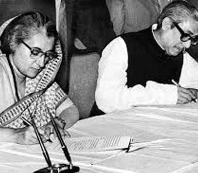 Indian-Prime-Minister-Indira-Gandhi-and-Sheikh-Mujibur-Rahman-sign-an-Indo-Bangladesh-pact